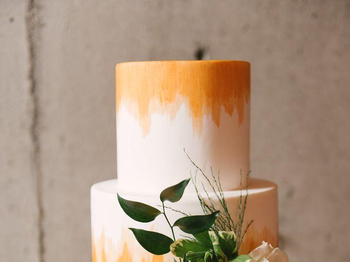 Tmx 1518975336 289d7310cdb5c95f 1518975286 30235c3a43698d4f 1518975284456 25 Julianna J Photog Seattle wedding cake