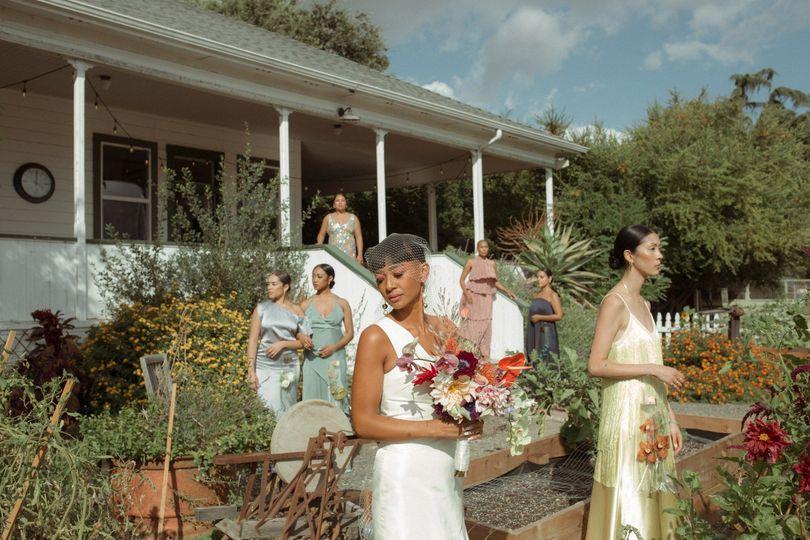 Bridal party garden shoot