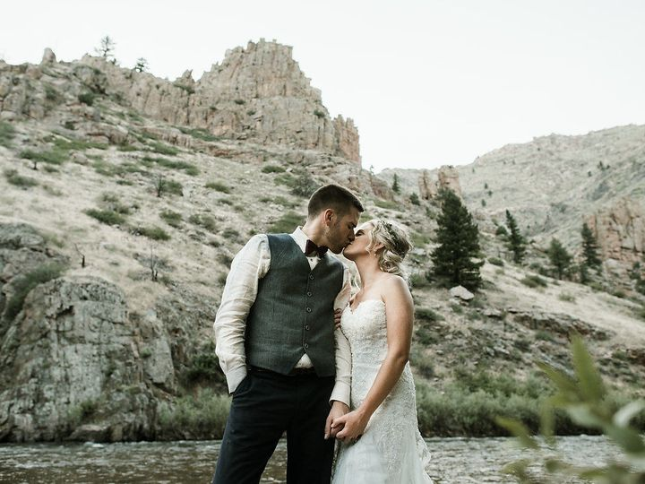 Tmx 1533689624 Dcc8a85ff5b3f3b2 1533689622 F9e0ff5bcf07eed6 1533689613005 16 Katesalleyphotogr Fort Collins, CO wedding planner