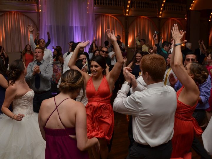 Tmx Wedding Crowd 3 51 1012312 Cressona wedding band