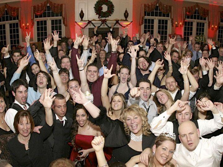 Tmx Wedding Crowd 4 51 1012312 Cressona wedding band