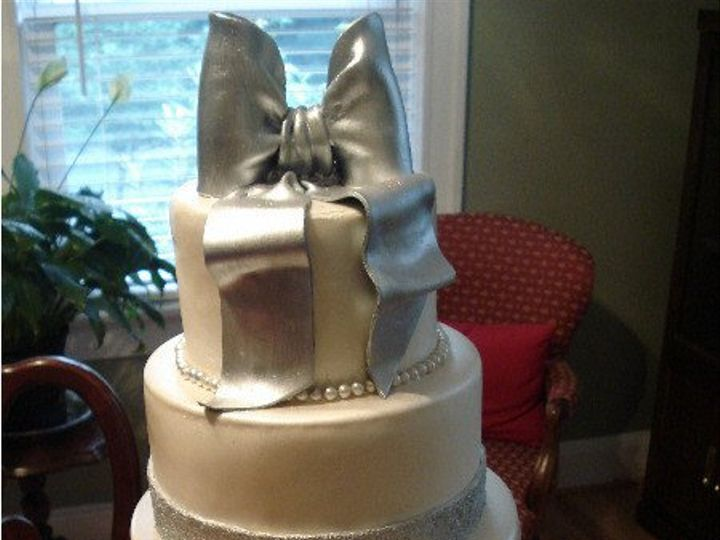 Tmx 1313956795408 Silverpearlweddingcake2 South Orange wedding cake