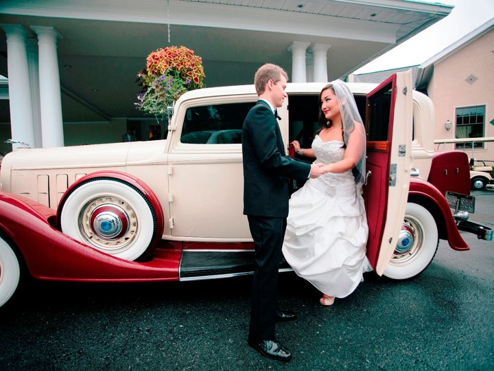 Tmx Bg 34 Lincoln 51 18312 1562616352 Westminster, MD wedding transportation