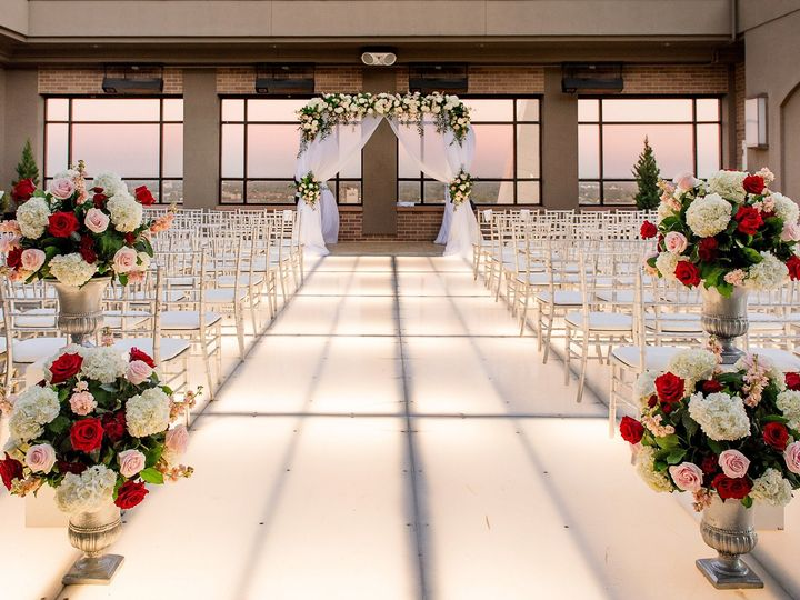 Tmx Michaellovesnicole Teasers 0048 51 689312 1562938218 Saint Louis, MO wedding planner