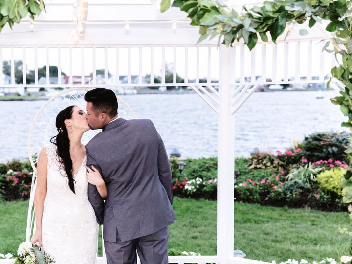 Tmx 1538060562 Ab16f5f56f19049c 1538060560 02e6ee65c9d60485 1538060557609 14 ACS 0085 Hastings On Hudson wedding florist