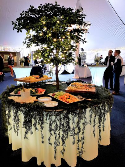 Appetizer tree table