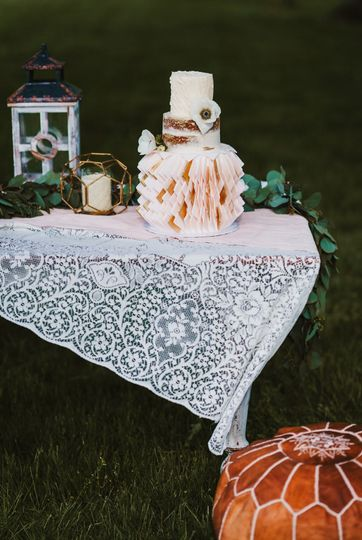 Vintage table lace, yes please