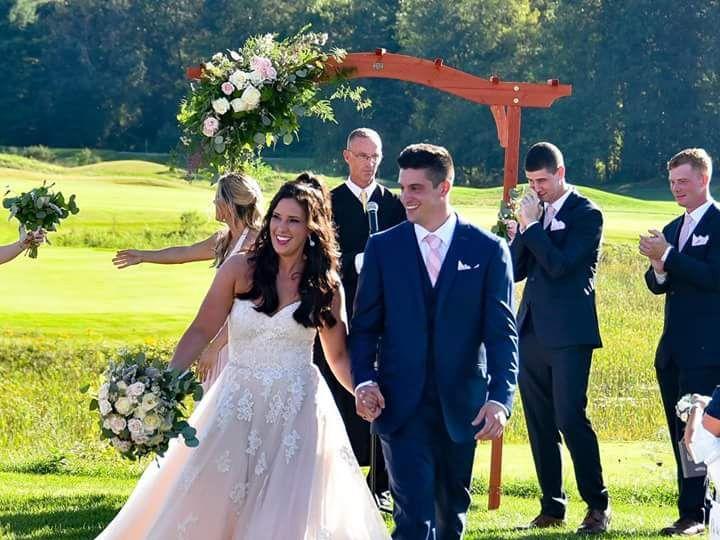 Tmx Fb Img 1538787926837 51 983412 Binghamton, New York wedding florist
