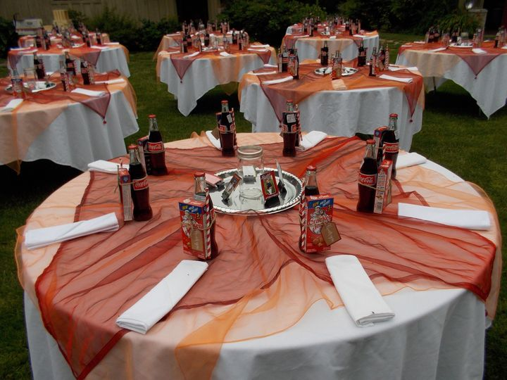 Table setting and wedding favors