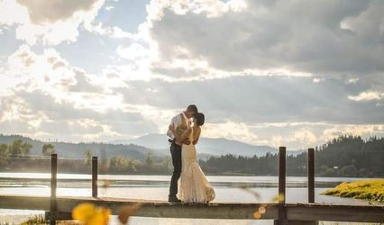 Grand Pend Oreille Weddings