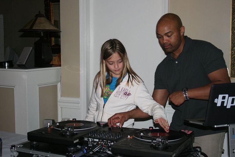 DJ APOLLO: Wicki Wicki Wicki with his guest