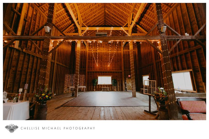 57bfd52e03d57306 The Barn at Headwaters Wedding by Chellise Michael Photography