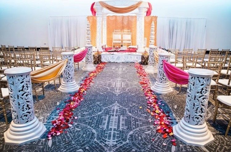 We offer several modern and elegant ceremony rooms.