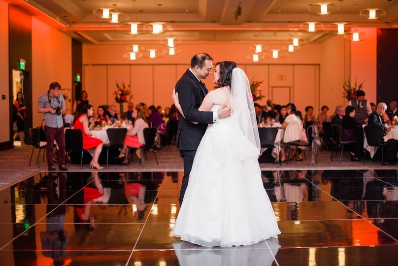 radisson blu minneapolis downtown wedding dance floor 51 110612 1561487375