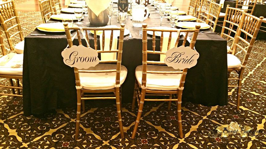 Sweetheart chair