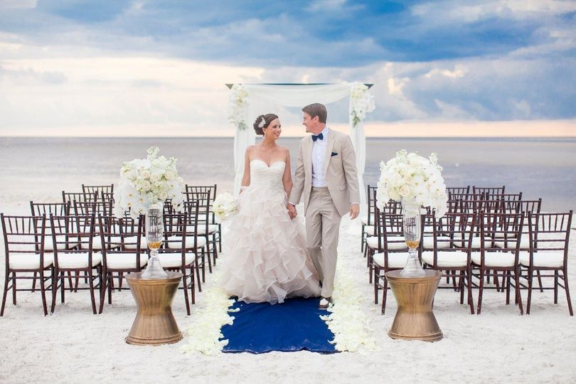 800x800 1431614607309 beach wedding
