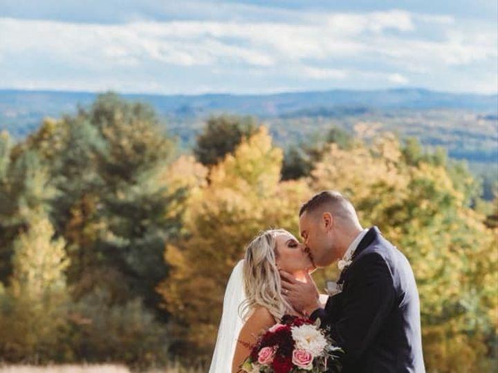 Tmx 44318093 10216651694867845 1315696289769324544 N 51 143712 1565397916 Tilton, New Hampshire wedding florist