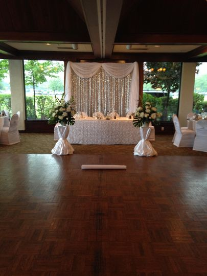 Silver White Sweetheart Table