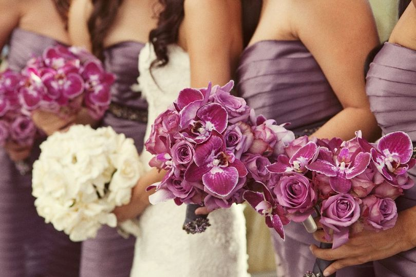 purplerosesorchidsbridesmaidsbouquets