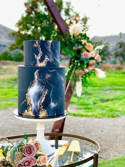 Marble Smoke wedding cake