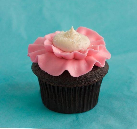 Trophy Pink Poppy Flower Cupcake