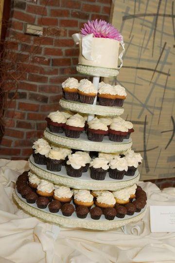 Lawless Wedding Cupcakes