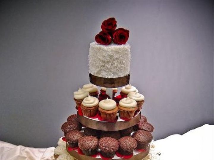 Tmx 1234237816377 RosePetalsTower02 Seattle wedding cake