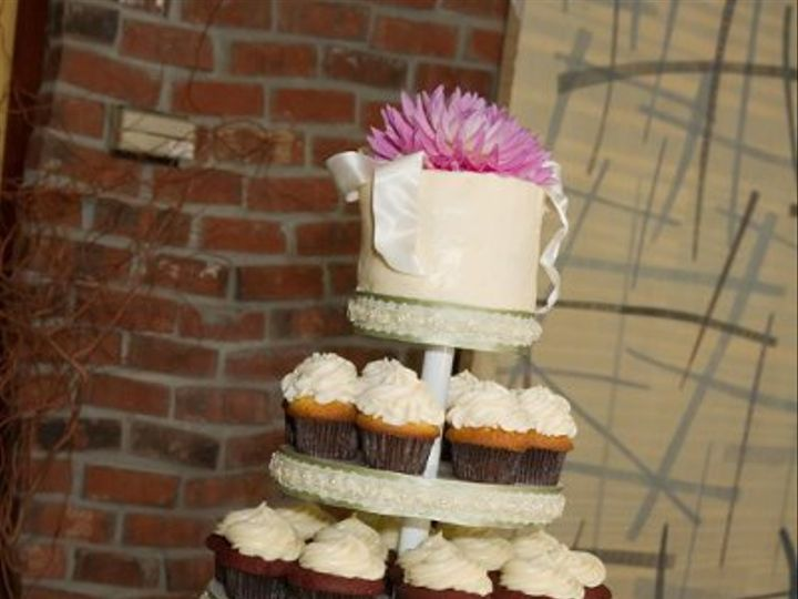 Tmx 1234238132820 LawlessCupcakes Seattle wedding cake
