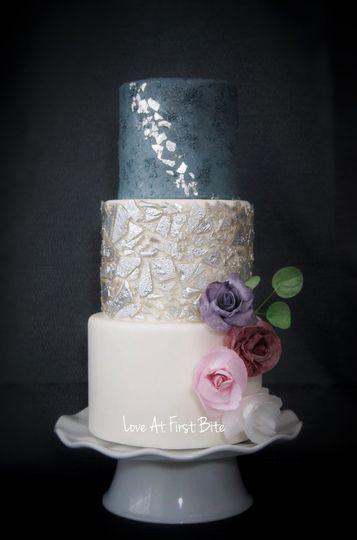 Isomalt & concrete cake