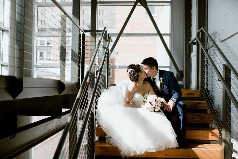 Couple in atrium at SKY Armory, photo: BeanArt Photography