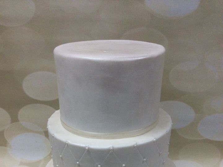 Tmx 1522720671 E92e3933455bb4bd 1522720670 59f4e9011c3cc5a0 1522720672016 9 IMG 3214 Nesconset wedding cake