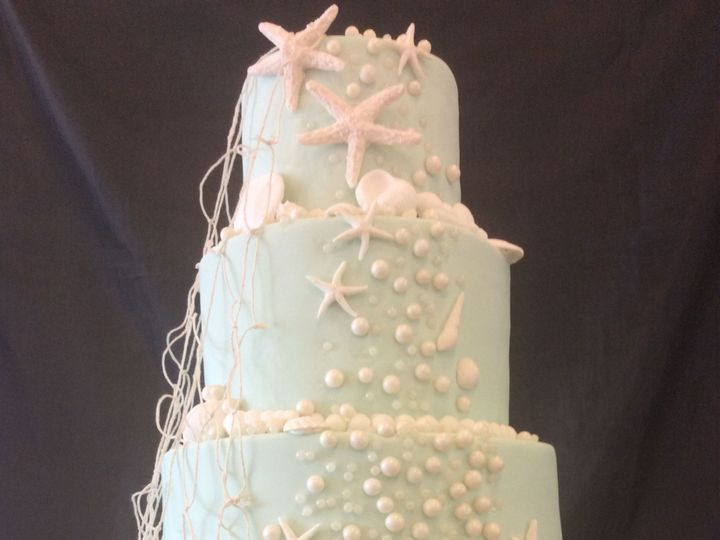Tmx 1522720766 F382610f7e3caa90 1522720764 593bd99cc1f8642f 1522720766576 23 Beachy Nesconset wedding cake