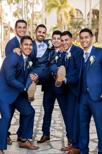 The Groom with his Grooms!