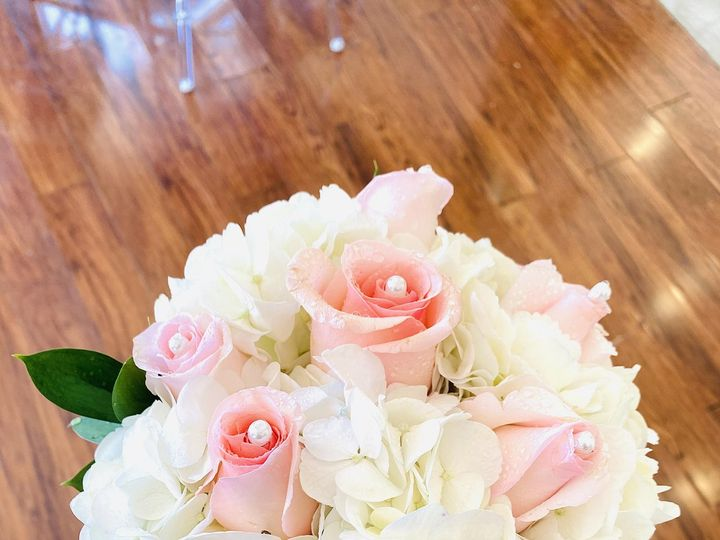 Tmx Pic73 51 1009812 159511640121938 Woodbury, NY wedding florist
