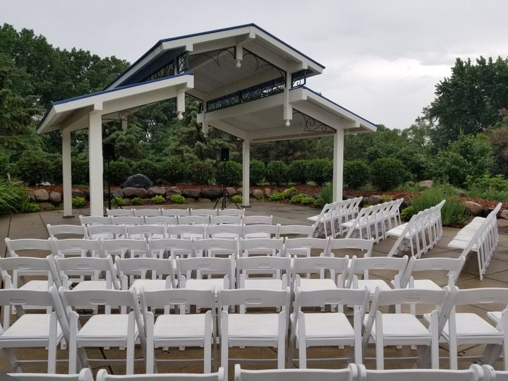 Pavilion with 100 chairs