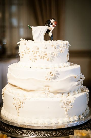 Wedding Cake by Sugar Studios Photography by Aperture Vision Photography Greenville, SC wedding...