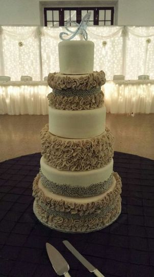 wedding cake boardman ohio clarencedale cake wedding cake youngstown oh 22033