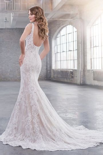 Stunning lace with low back