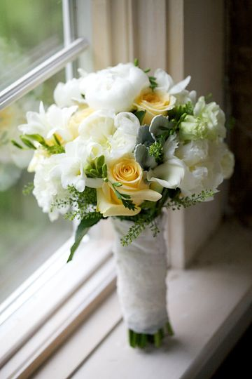Bridal bouquet with yellow touches