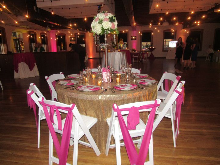 Tmx 1530133020 8a494f94b417b0f9 1530133016 0d744838c2edd57a 1530132992178 2 BB4 Wichita, KS wedding rental