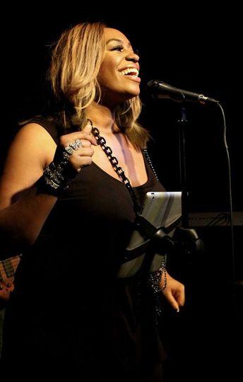 Jennifer Browne | Lead vocalist