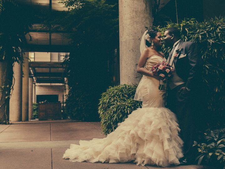 Tmx Bellevue Club Couple Outside 51 100122 Bellevue, WA wedding venue