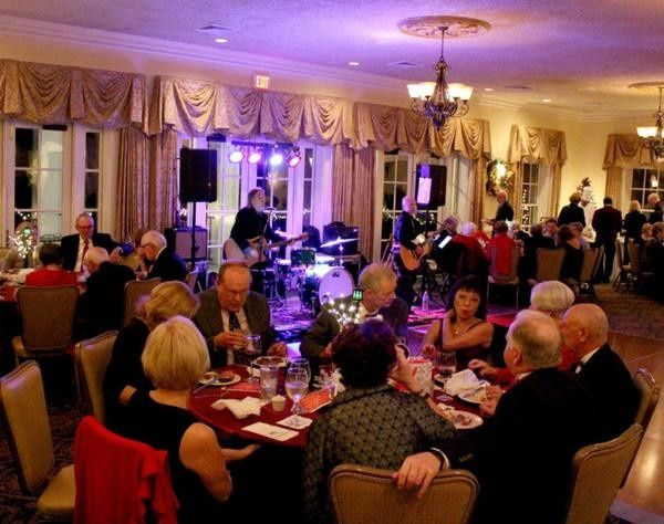 Dos Eddies Acoustic Duo providing entertainment for their Holiday Party at Porter's Neck Country...