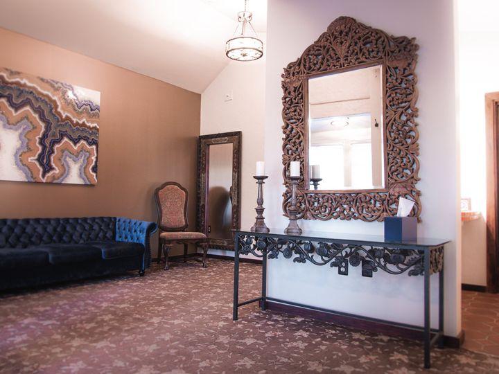 Tmx Bridal Room Bright White 51 24122 160823583939447 Claremont wedding venue