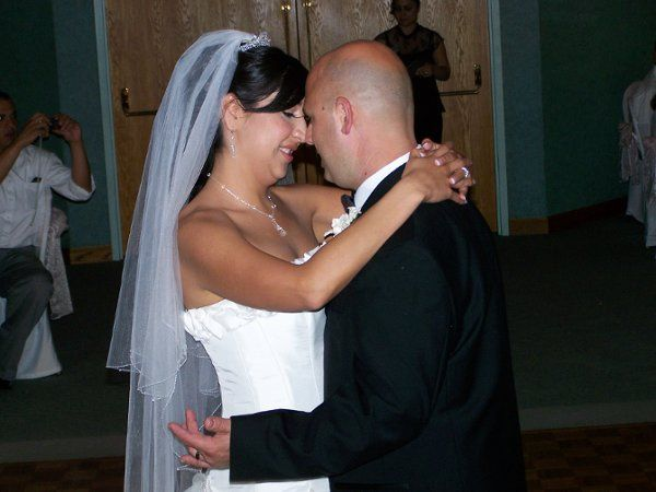 Happy couple sharing thier first dance!