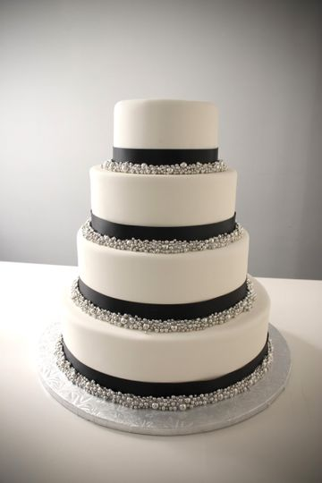 Ribbon cake and silver dragee cake