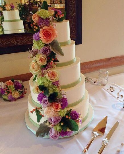 sugar slice wedding cake lansing ny weddingwire. Black Bedroom Furniture Sets. Home Design Ideas