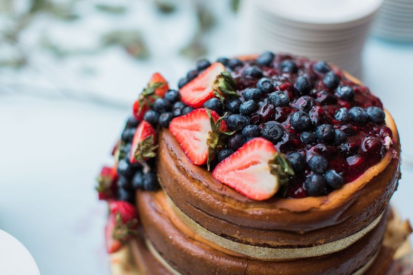 Cake and berries
