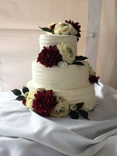 3-tier rose wedding cake