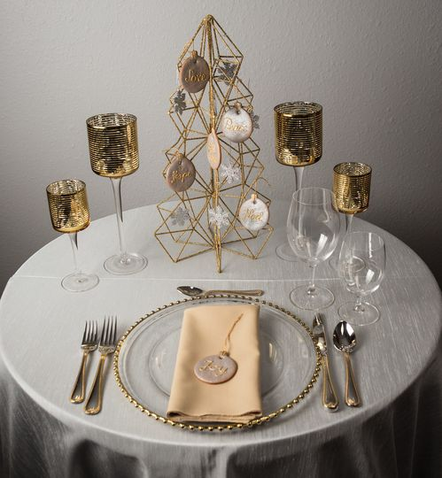 silver and gold table decoration cookies realswiss